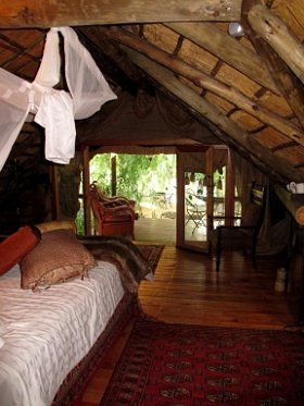 lethaboestate_willowtreehideaway1_280x373-1